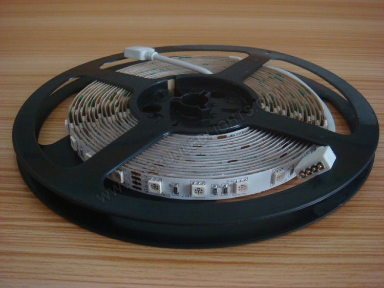 5050 72W 12V 300 Diodes 16.4ft Roll RGB Led Strip Light with IR24 Remote Controller_2