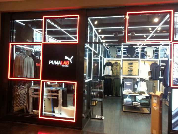 DeRun LED Lighting in Puma Clothing Store