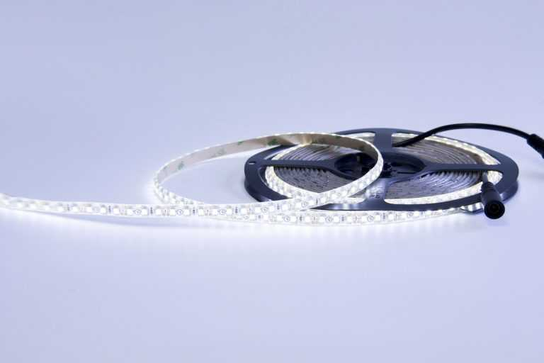 3528 48W 12V 600 Diodes 16.4ft Roll IP65 Silicon Glue Waterproof LED Strip Light