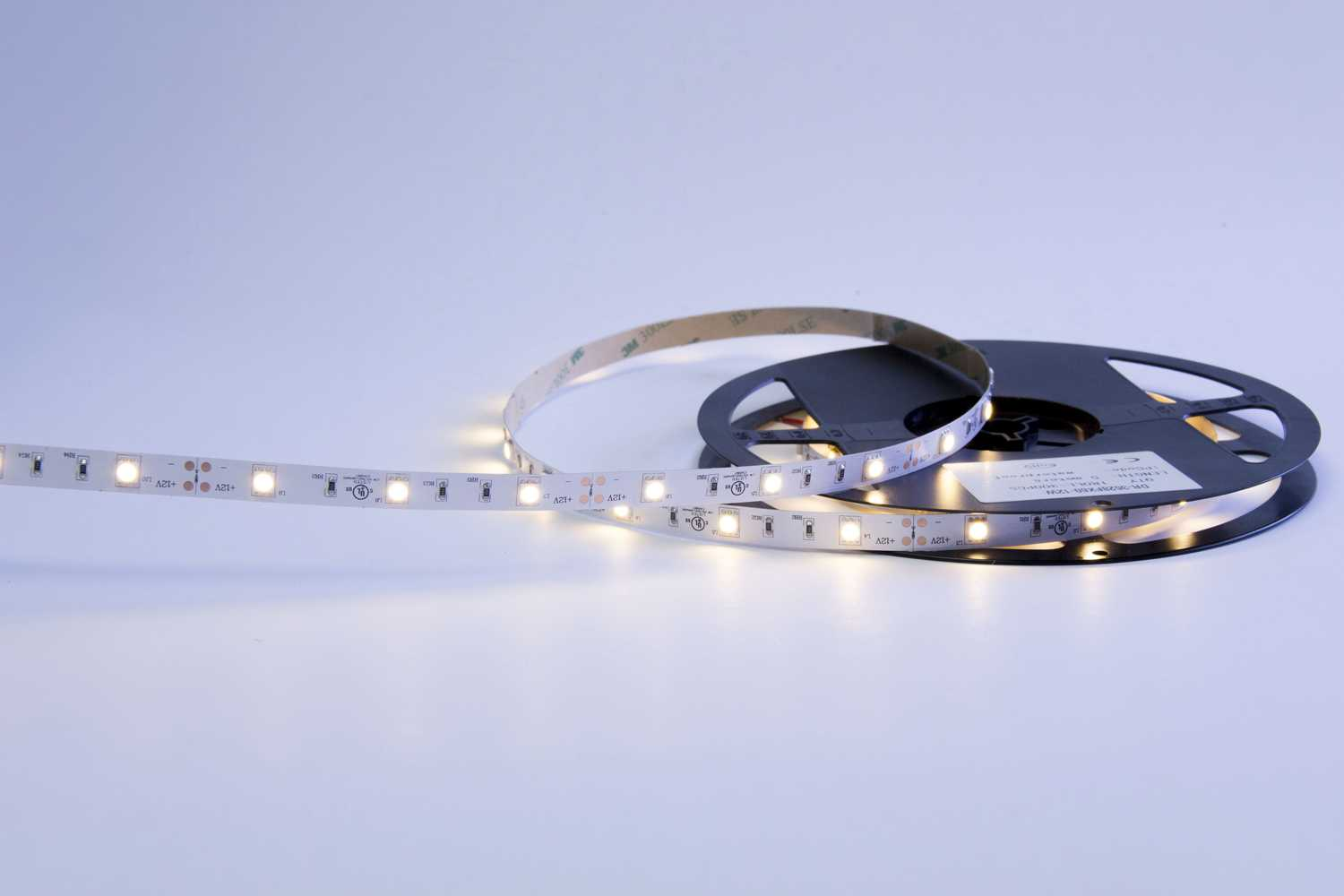 5050 36W 12V 150 Diodes 16.4ft Roll IP20 Non-waterproof Led Strip Light_1