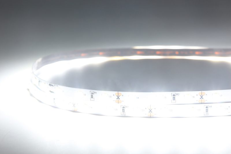 Flexible LED Strip Light with 16.4' 50W 300 Diodes 2835_2