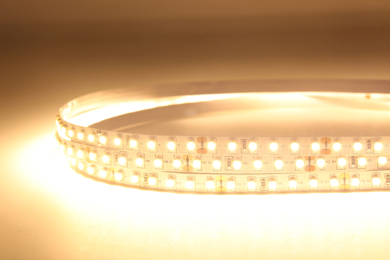 Flexible LED Strip Light with 16.4' 48W 600 Diodes 3528_8
