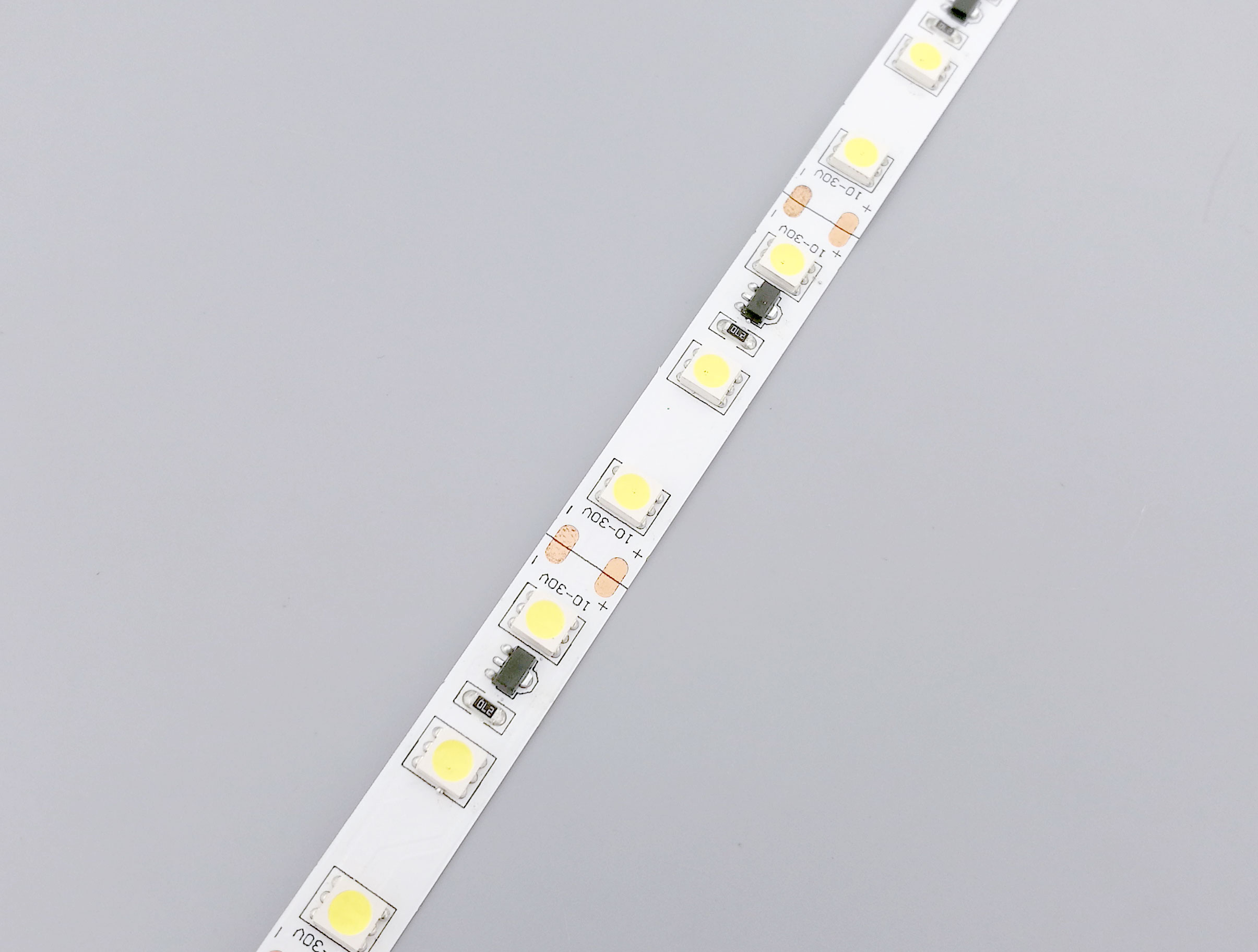 10-30V Wide Voltage Input LED Strip Lights_2
